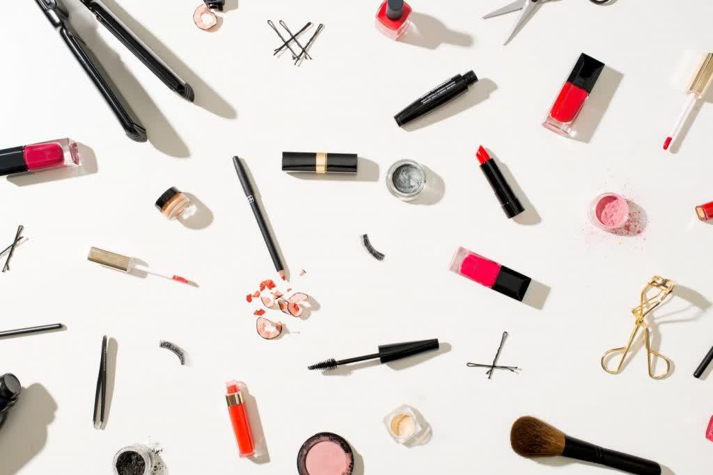 makeup-feature
