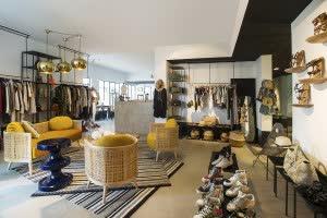 the-fashion-corner-at-comptoir-102